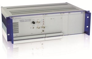 E-482 high-power piezo amplifier with 6 A peak current at 1050 V voltage swing